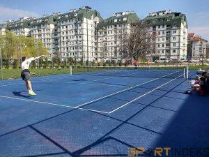 tenis Dan studenata